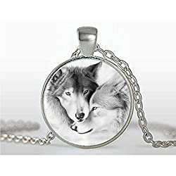 xiaoaose Love Wolf Necklace Wolf Pendant Jewelry- Charm Jewelry Necklace