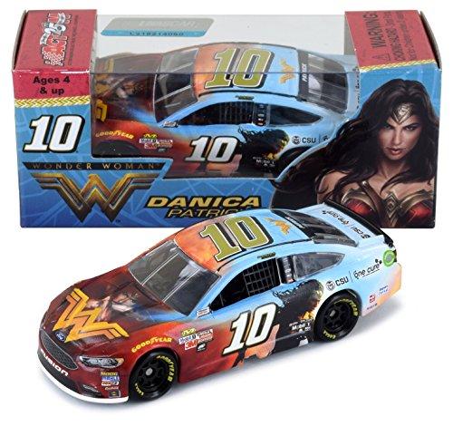 Lionel Racing Danica Patrick 2017 Wonder Woman Nascar Diecast 1 64 Scale