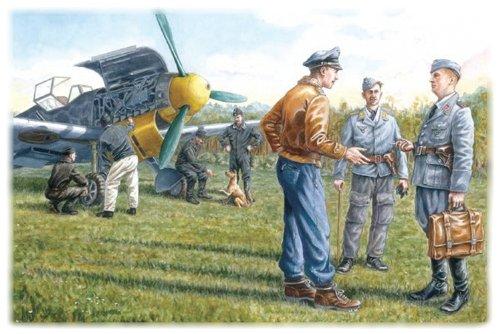 ICM Models German Luftwaffe Ground Personnel 1939-1945 Building Kit ()