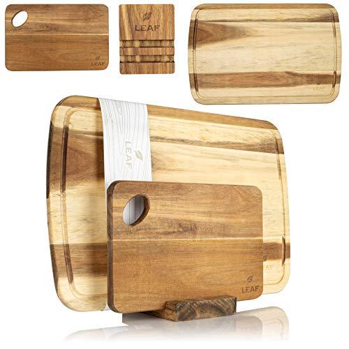 LEAF Kitchen Accessories Holzschneidebrett 3er Set – Bestehend aus edlem Akazien Holz Schneidbrett, kleinem Holzbrettchen und Multifunktionsständer