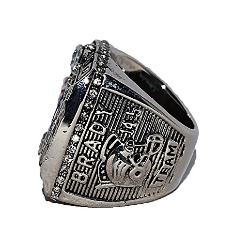 NEW ENGLAND PATRIOTS (Tom Brady) 2001 SUPER BOWL XXXVI WORLD CHAMPIONS (Team USA) Rare & Collectible High Quality Replica NFL Football Silver Championship Ring with Cherrywood Display Box