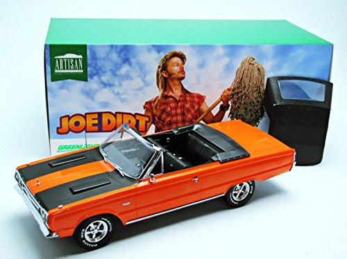 GreenLight Artisan Collection Joe Dirt (2001) 1967 Plymouth Belvedere GTX Convertible Vehicle (1:18 Scale) 19006