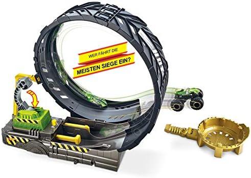 Hot Wheels GKY00 - Monster Trucks Looping Challenge Spielset mit 1 Monster Truck und 1 Hot Wheels Fahrzeug im Maßstab 1:64, Spielzeug ab 3 Jahren