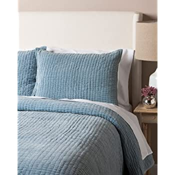 Image of Amity Home Light Blue Velvet King Quilt Home and Kitchen
