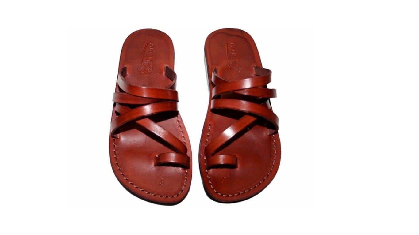 e0603854989 Amazon.com  Buckle-Free Leather Sandals For Men   Women - Handmade Unisex  Sandals