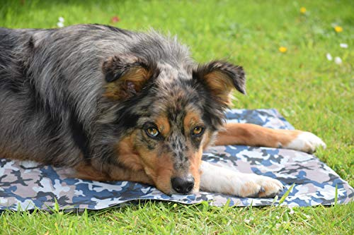 Large Dog Cooling Mat, Camouflage Oxford Resistant-Dirty Scratch-Resistant, Safety Non-Toxic Self Gel Cooling Mat for Dogs Cats Pet, Foldable Waterproof Wear-Resistant Cooling Pad for Dogs 90x60 CM 4