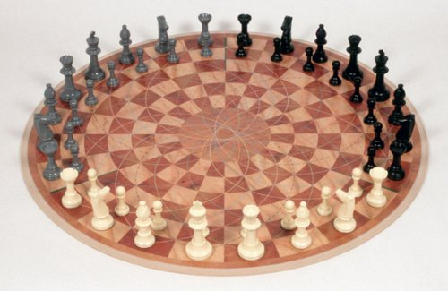 Board Round Chess (3 Man Chess)