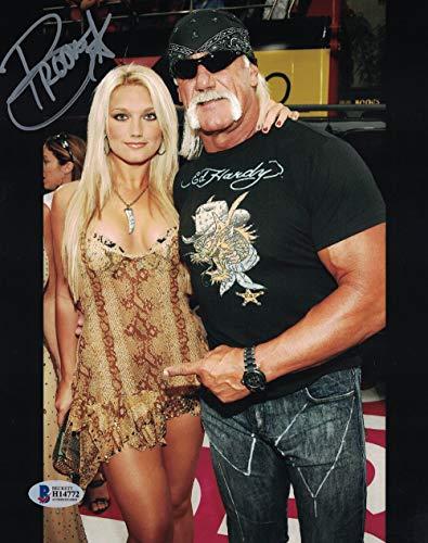 Brooke Hogan Autographed/Signed 8x10 Photo Hulk Hogan ()