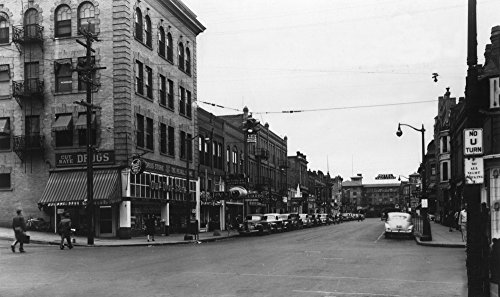 Lewiston, Idaho - City Street Scene, Lewis-Clark Hotel in Distance (16x24 SIGNED Print Master Giclee Print w/Certificate of Authenticity - Wall Decor Travel Poster)