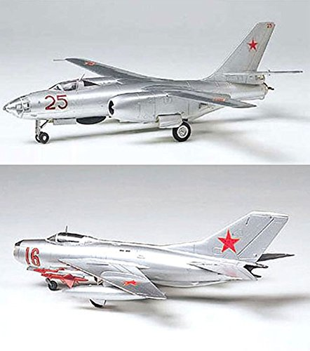 2 Tamiya Model Plane Bundle – MiG-19 Farmer-E and Ilyushin II-28 Beagle