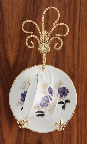 Twisted Wire Tea Cup and Saucer Wall Hanger