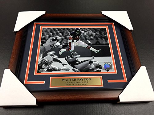 (WALTER PAYTON SWEETNESS CHICAGO BEARS #34 8X10 Photo Framed WITH NAMEPLATE )