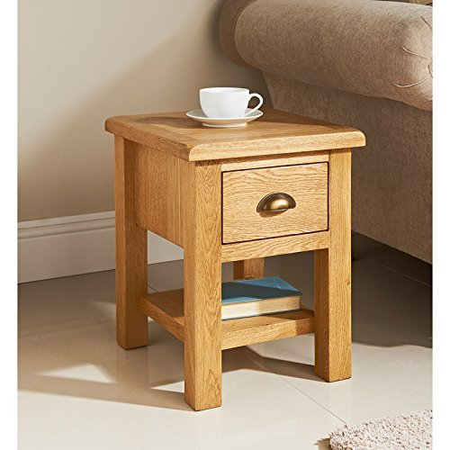 HK:A WILTSHIRE SMALL LAMP TABLE