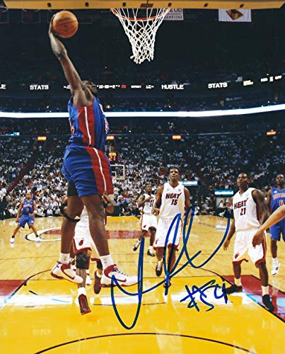 Autographed Jason Maxiell 8x10 Detroit Pistons Photo