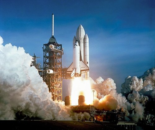 (Home Comforts Peel-n-Stick Poster of Space Shuttle Columbia STS-1 Launch Pad Liftoff NASA USA Space Historical S Vivid Imagery Poster 24 x 16 Adhesive Sticker Poster Print)