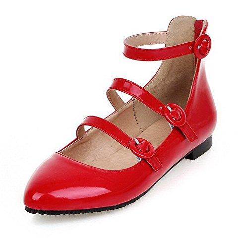 AllhqFashion Damen Niedriger Absatz Rein Schnalle Lackleder Spitz Zehe Pumps Schuhe Rot