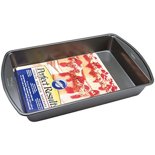 Wilton 2105-6060 Perfect Results Nonstick Oblong Cake Pan, 13 by 9 by 2-Inch, Silver
