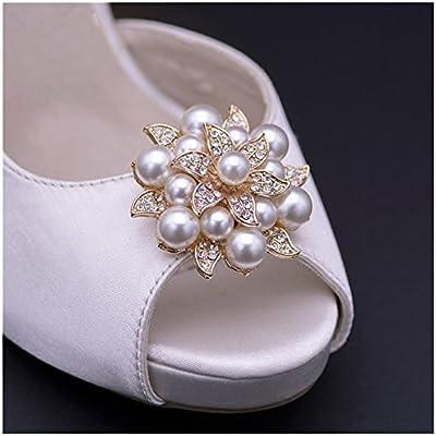 Amazon.com  Douqu 2 Pcs Fashion Rhinestones Pearls Flowers Crystals Wedding  Party Shoe Clips Shoe Decoration (Gold) 8bc8b4f82b