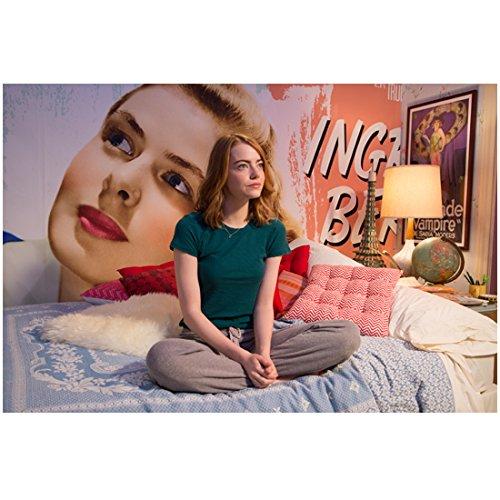 Emma Stone 8 Inch x10 Inch PHOTOGRAPH La La Land (2016) Sitting on Bed kn