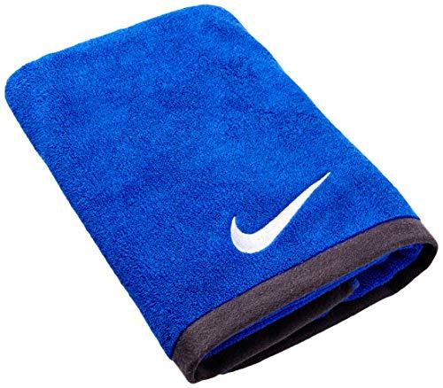 Nike Fundamental - Nike Fundamental Towel (Varsity Royal/White, Medium)