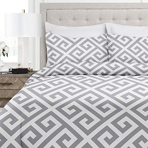 Italian Luxury Greek Key Pattern Duvet Cover Set - 3-Piece Ultra Soft Double Brushed Microfiber Printed Cover with Shams - Full/Queen - Light Gray/White