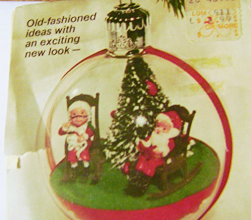Kit Panorama (Vintage Mr & Mrs Claus Panorama Clear Domed Ornament Kit)