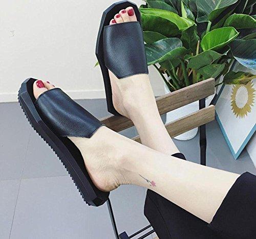 casuales de Europa y América zapatillas de cuero bajo de la boca inferior gruesa plana con sandalias planas de palabras femenina Black