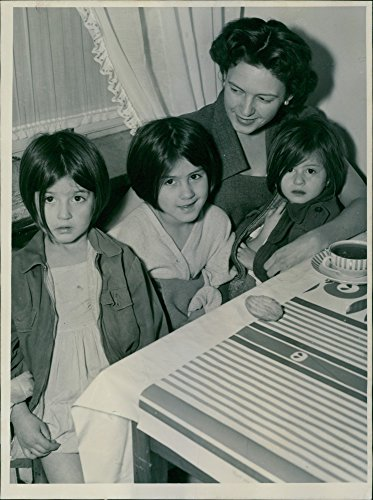 Vintage Photo Of Three Of South American Girls Were Rescued From A Fire In The Property On Riddargatan