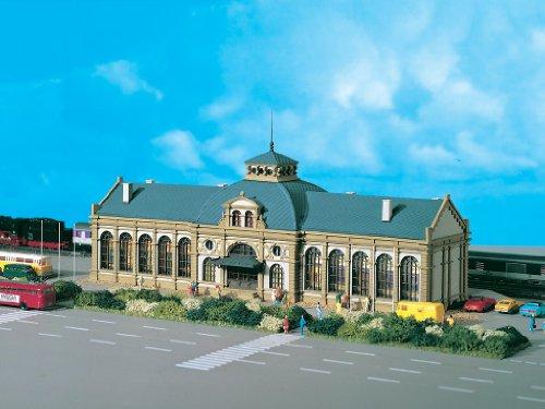 N Scale Altstadt Station -- 13-1/8 x 4-1/2 x 5-1/2