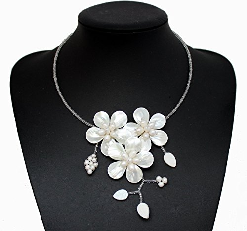 White Fresh Water Mother Of Pearl Shell Flower Necklace Wedding Gift Flower Necklace Choker Necklaces Strand Statement Necklace