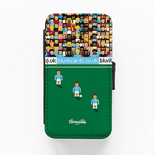 Manchetsr Blue 8bit Hochwertige PU-Lederimitat Hülle, Schutzhülle Hardcover Flip Case für iPhone 4 / 4s vom Blunt Football + wird mit KOSTENLOSER klarer Displayschutzfolie geliefert