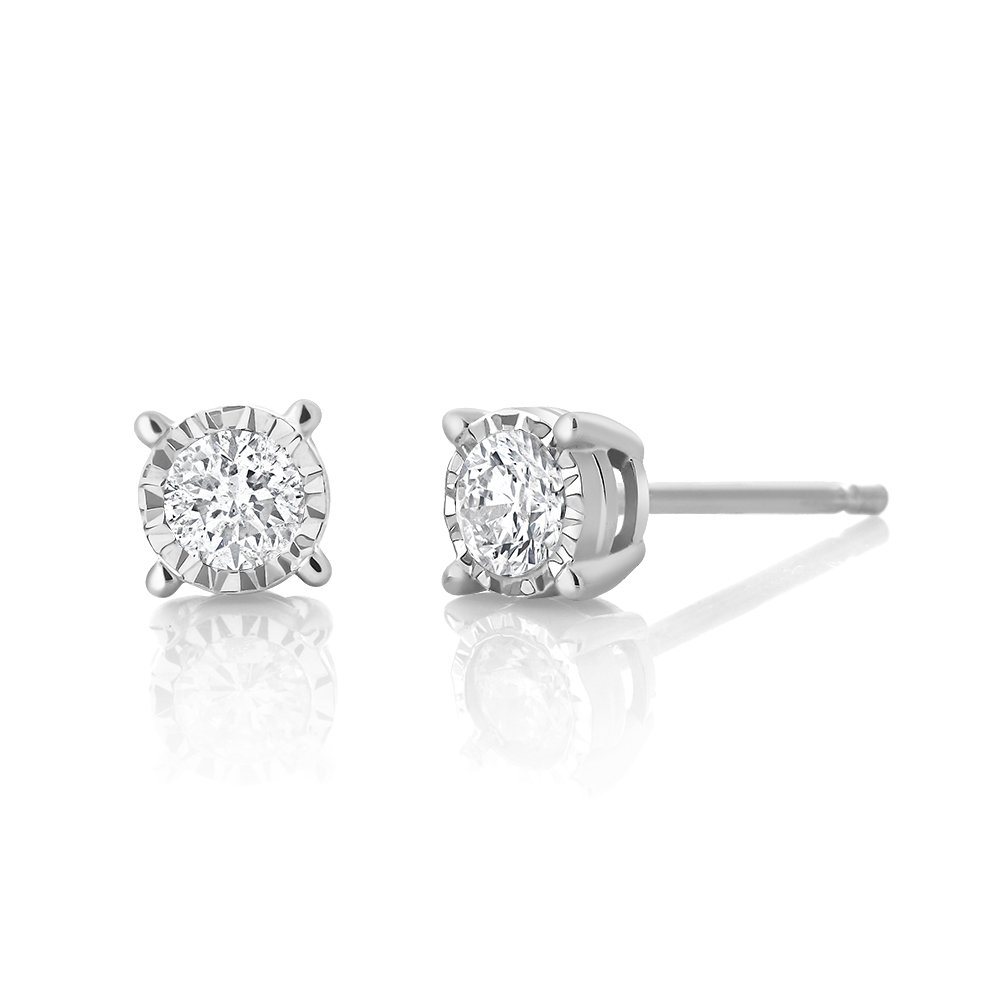 IGI Certified Illusion Set Round 10K White Gold .20 Carat Total Weight Diamond Stud Earrings