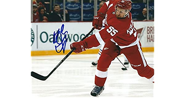 1d32ec0e2 Signed Niklas Kronwall 8x10 Photo Detroit Red Wings - Certified Autograph  at Amazon s Sports Collectibles Store