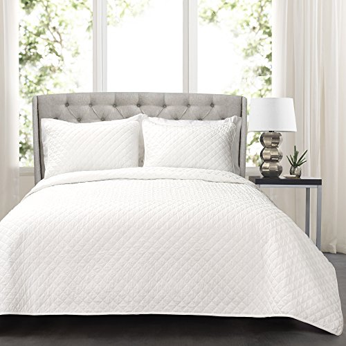 Ava Comforter Set (Lush Decor Lush Décor Ava Diamond Oversized 3Piece Cotton Quilt Set, Full/Queen, White)
