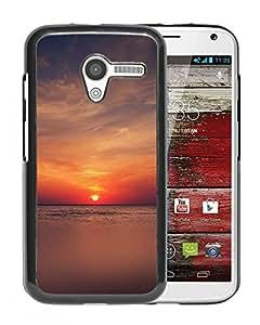 New Custom Designed Cover Case For Motorola Moto X With Mn Sea Ocean Man Woman Love Nature Phone Case