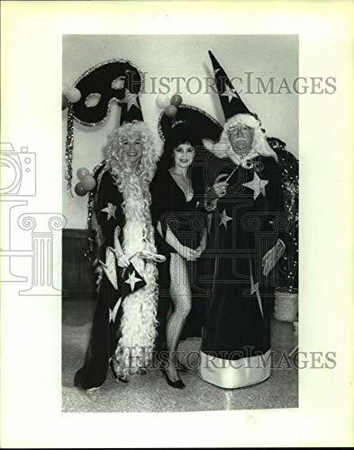 Vintage Photos 1992 Press Photo Patricia Owne at San Antonio Liederkranz Costume Event -