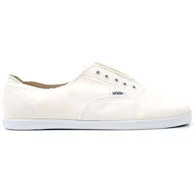 ddac19f8a968f Amazon.com: Vans Ynez Girls Shoes White/True White: Clothing