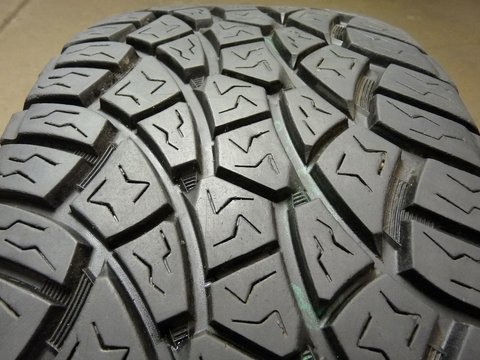 P275/55R20 Cooper Zeon LTZ 117S XL/4 Ply BSW Tire (Cooper Ltz Tires)