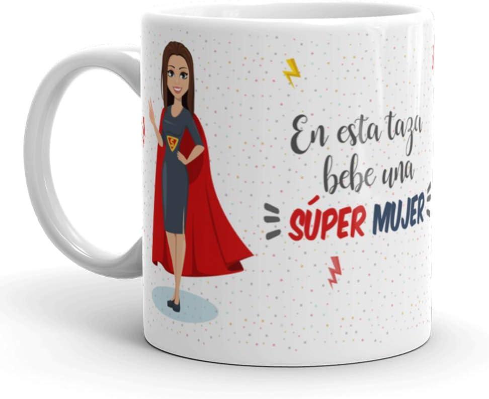 Kembilove Taza de Café para Mujer – Aquí Bebe una Super Mujer – Taza de Desayuno para Familia – Regalo Original para Familiares, Navidad, Aniversarios – Taza de Cerámica de 350 ml