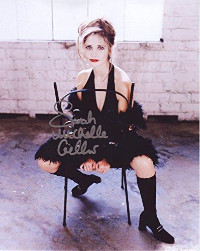 - Sarah Michelle Gellar Autograph Signed 8 x 10 Photo