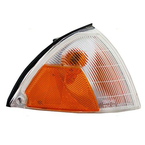 (Passengers Park Signal Side Marker Light Replacement for Geo Suzuki 3610160BA0 AutoAndArt)