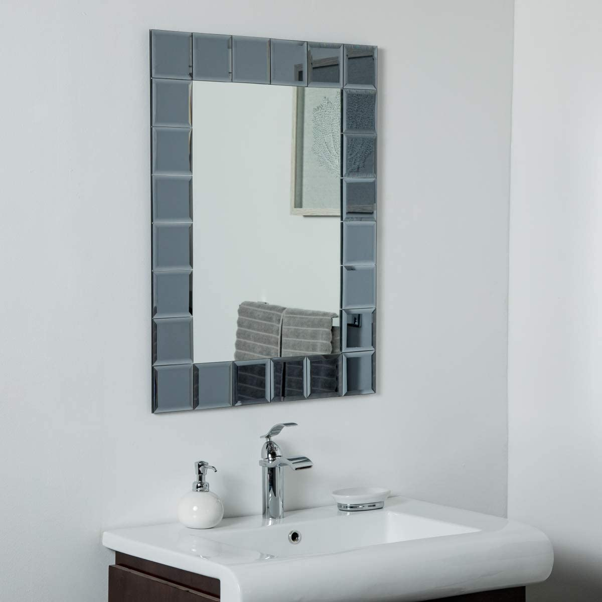 decorWonderland Silverlake Large Frameless 31.5 x 23.6in Wall, Bathroom, Vanity Mirror, 31.5x23.6X.5, Silver