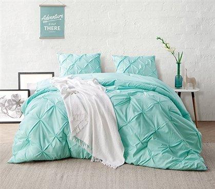 Yucca Pin Tuck Twin XL Comforter (Pin Tuck Bedding)