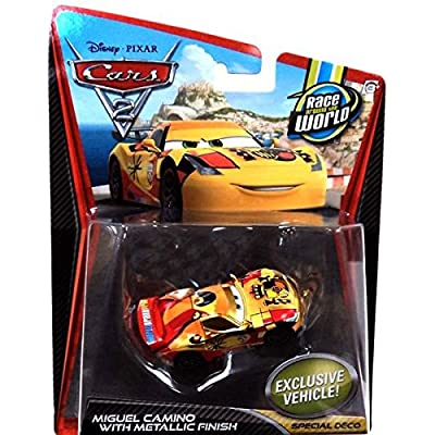 Disney Pixar CARS 2 Exclusive 1:55 Die Cast Car RACER Miguel Camino avec Metallic Finish - Véhicule Miniature - Voiture