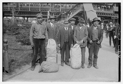 HistoricalFindings Photo: U-Boat survivors,Submarine,Men with luggage,Bain Service
