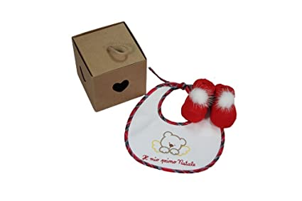 4b032db3aa3c Coccole- set regalo Natale neonato bavetta e babbucce con pompon in  confezione regalo  Amazon.it  Prima infanzia