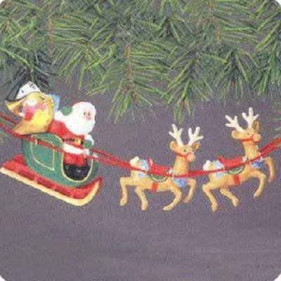 Santa and His Reindeer 1986 Hallmark Ornament QXO4406