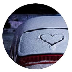 alfombrilla de ratón Corazón dibujado en un parabrisas trasero cubierto de nieve - ronda - 20cm