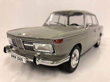 BMW 2000 1966 hellgrau Modellauto 1:18 MCG