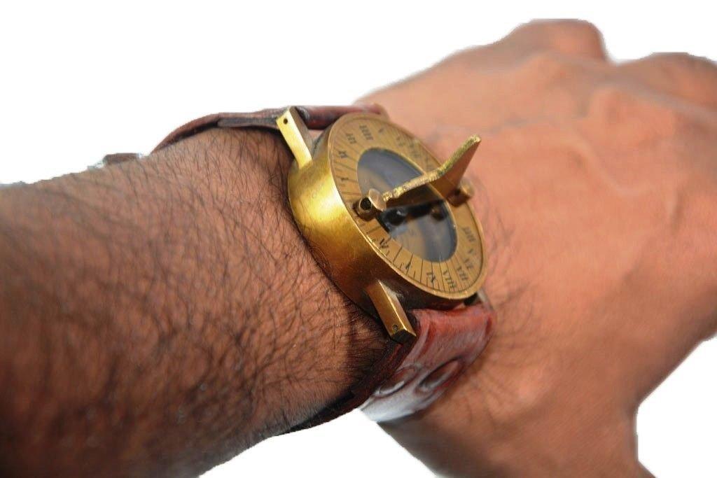 Nauticalギフト装飾アンティークスチームパンク手首真鍮コンパス& sundial-watch withレザーストラップSundial Affordableギフト!アイテム。 B07F9Z3C41